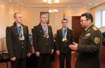 Сегодня в управлении главнокомандующего Сухопутными войсками ВС РК чествовали победителей чемпионата мира по гиревому спорту