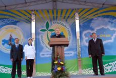 Акция «Расцвет села - расцвет Казахстана» - это хороший подарок к 20-летию Независимости страны - Н.Назарбаев