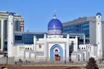 В Атырау горожан с праздником Курбан айт поздравил аким города