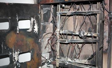 СРОЧНО: В Астане сгорели электрощиты в многоэтажном доме