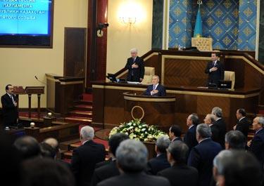 Первую сессию нового трехпартийного Парламента РК открыл Президент РК