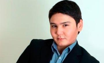 В Атырау могут возбудить уголовное дело в отношении известного певца Бейбита Кургана