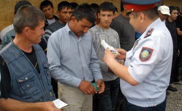 В Атырау выявлено около 700 фактов нарушения миграционного законодательства РК