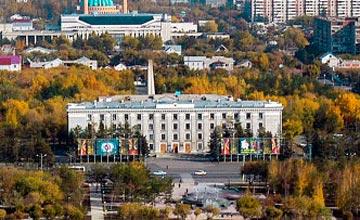 Памятник Шокану Валиханову и Григорию Потанину открылся в Павлодаре
