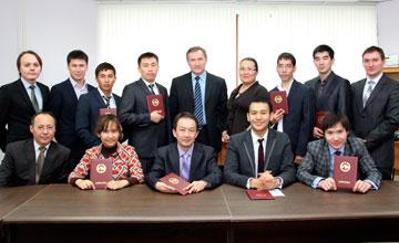 Казахстанские специалисты получили российские дипломы проектировщиков летательных космических аппаратов