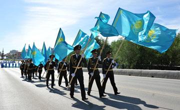 В Атырау начинается парад судов с государственной символикой по реке Урал