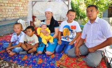 Оңтүстікте дүниеге келген 17 миллионыншы қазақстандық та ат мінді