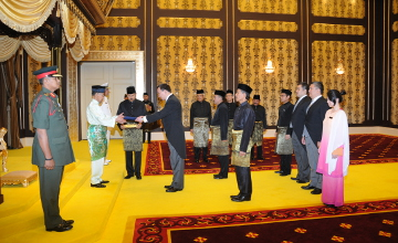 Kazakh Ambassador to Malaysia presents credentials to the Supreme Ruler of Malaysia