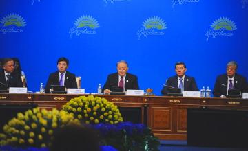 Президент РК предложил использовать казахский и русский языки в делопроизводстве в зависимости от специфики регионов