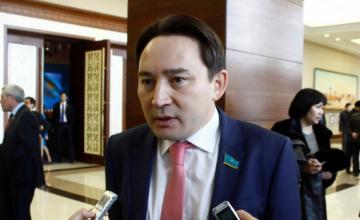 Стратегия «Казахстан-2050» ориентирована на молодежь - депутат М.Бегентаев