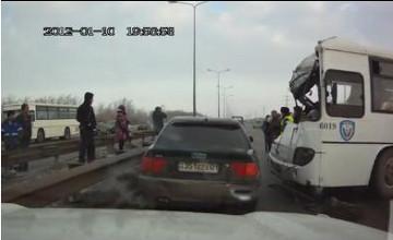 5 пострадавших в массовом ДТП в Астане находятся в реанимации