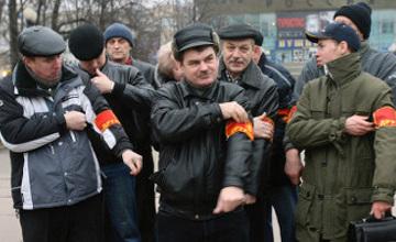 Ақмолалық полицейлер ерікті қоғамдық тәртіп сақшыларына сыйақы беруде