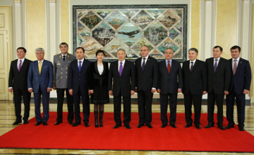 Political figures take oath at a ceremony presided by Kazakh leader