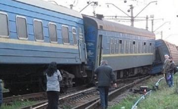 СРОЧНО: Пассажирский поезд сошел с рельсов в Атырауской области, есть пострадавшие (ВИДЕО)
