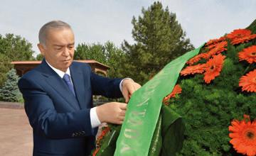 Ислам Каримов возложил венок к подножию монумента «Скорбящая мать»