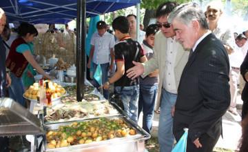 Казахские национальные блюда представлены на дипломатическом фестивале в Ташкенте