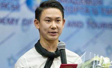 Денис Тен получил квалификацию тренера по фигурному катанию