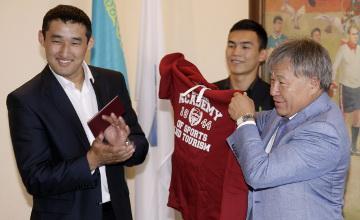 2014 жылғы Қазақстан барысы Мұхит Тұрсынов магистрлік диплом алды