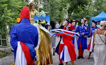 Бастилия қамалы алынған күн: Алматыда Францияның Бас консулдығы ұлттық мерекесін тойлады (ФОТО)