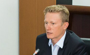 А.Винокуров: Деятельность велокоманды «Astana Conti» приостановлена