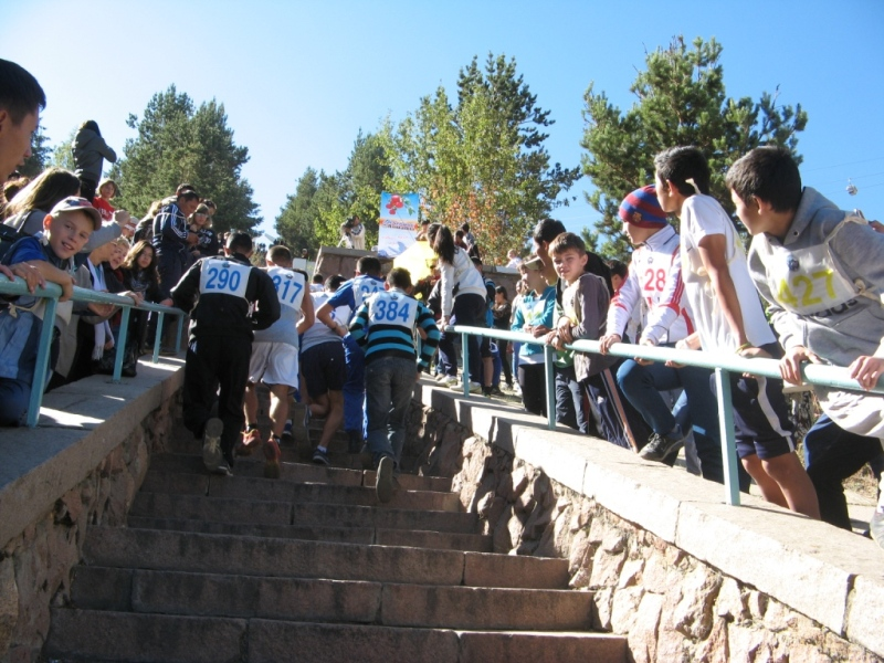 Бауыржан Байбек поручил реконструировать «Лестницу здоровья» на Медеу