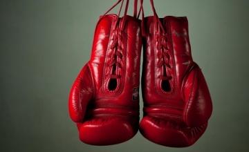 БОКС: Ковалев американдық Хопкинстен басым түсіп, WBA, IBF және WBO чемпионы атанды