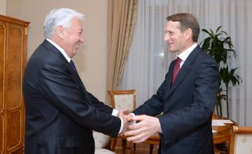 Спикер Мажилиса РК и председатель Госдумы РФ обсудили вопросы двустороннего сотрудничества
