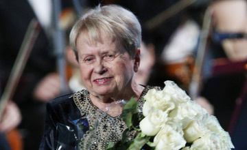 Александра Пахмутова 85 жылдық мерейтойын атап өтуде