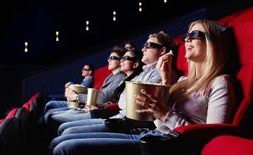 Есіл тұрғыны баласына кинотеатры бар ойын-сауық орталығын салып берді