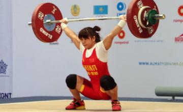 Ауыр атлетикадан ӘЧ: Әйелдер арасындағы алғашқы алтынды қытайлық спортшы иеленді