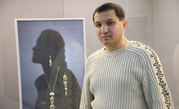 Украшения казахских женщин несут отпечаток национального искусства - ювелир Б.Артыкбаев