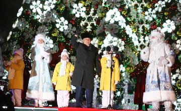 Н.Назарбаев елдің жаңажылдық Бас шыршасының шамдарын жақты (ФОТОРЕПОРТАЖ)