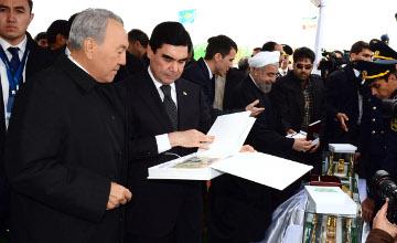 Н.Назарбаев принял участие в церемонии открытия туркменско-иранского участка железной дороги «Казахстан-Туркменистан-Иран»