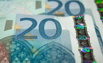 Литва с завтрашнего дня переходит на евро