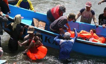刚果(金)发生沉船事故 至少129人死亡
