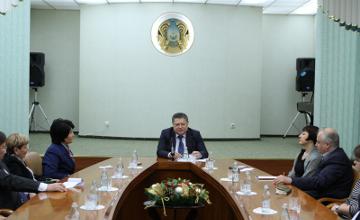 Посол РК в РФ встретился с представителями ведущих российских и казахстанских СМИ