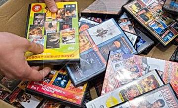 Алматыда контрафактілік видеоөнімдер сақталған қойма әшкереленді