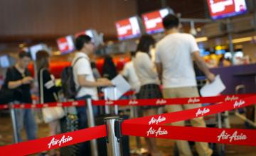 Жоғалып кеткен малайзиялық Air Asia ұшағы рейсіне 23 адам тіркелмей қалған