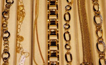 Ұрылар дүкен қабырғасын бұзып, 56 млн. рубльге бағаланған алтын бұйымдарын қолды етті