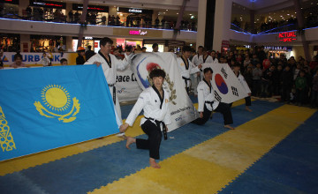 Мангыстауских таэквондистов бесплатно обучали мастера спорта из Южной Кореи (ФОТО)