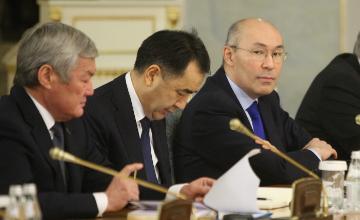 Казахстан и Россия начали переговоры по влиянию снижения рубля на экономику РК