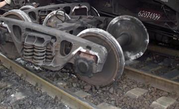 Из-за схода вагонов с серной кислотой в Таразе объявлена ЧС местного масштаба
