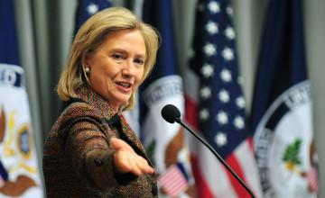Хиллари Клинтон сәуірде 2016 жылы АҚШ президенттігіне сайлауға қатысатынын жариялайды