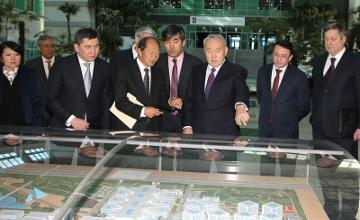 纳扎尔巴耶夫总统考察调研纳扎尔巴耶夫大学