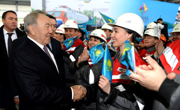 Kazakh President makes visit to Aktobe rail and beam plant