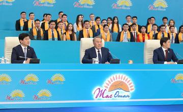 纳扎尔巴耶夫:哈萨克斯坦某些发展指数已达到全球最发达30国标准