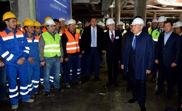 Президент ознакомился с ходом работ в «Талан Тауэр» и «Абу-Даби Плаза» (ФОТО)