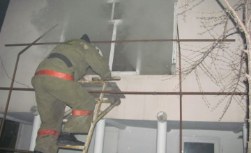 В Таразе из-за пожара в общежитии эвакуировали 60 человек