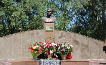 В Усть-Каменогорске открыли памятник поэту и воину Мусе Джалилю