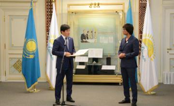 Кайрат Нуртас, Жанар Дугалова и другие известные казахстанцы вступили в партию «Нур Отан» (ВИДЕО, ФОТО)